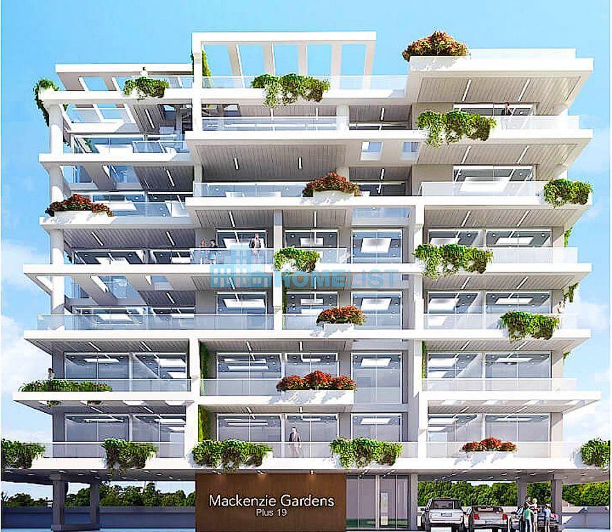 Eladó 107 m2 lakás -