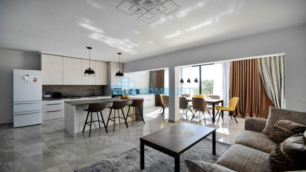 Eladó 263 m2 ház -