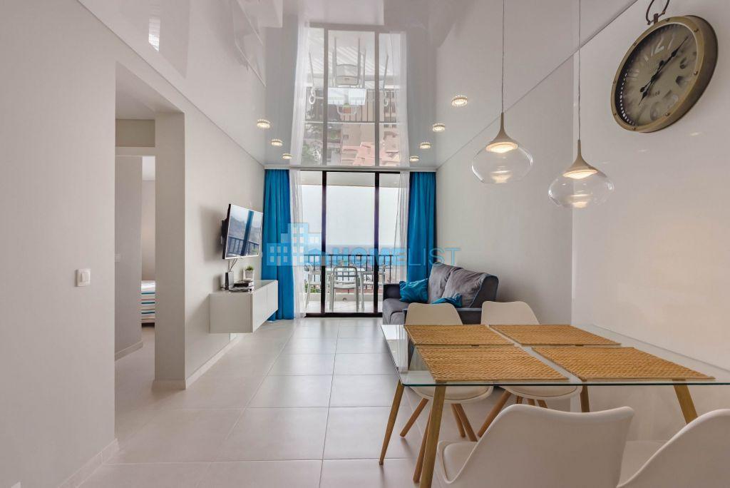 Eladó 60 m2 lakás -