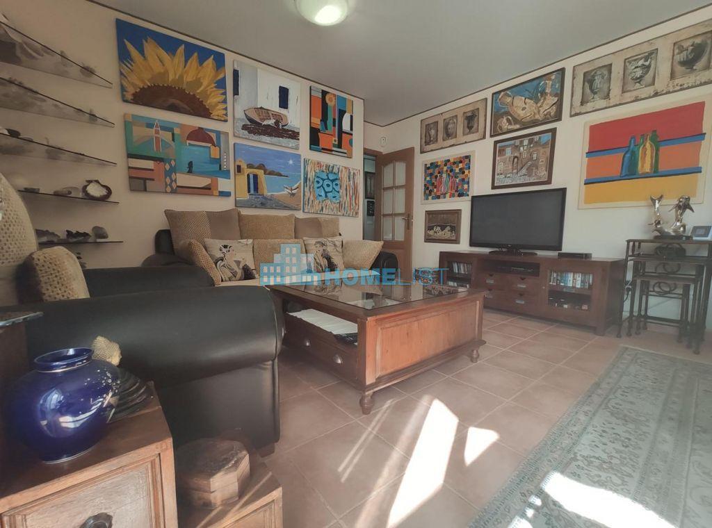 Eladó 98 m2 lakás -