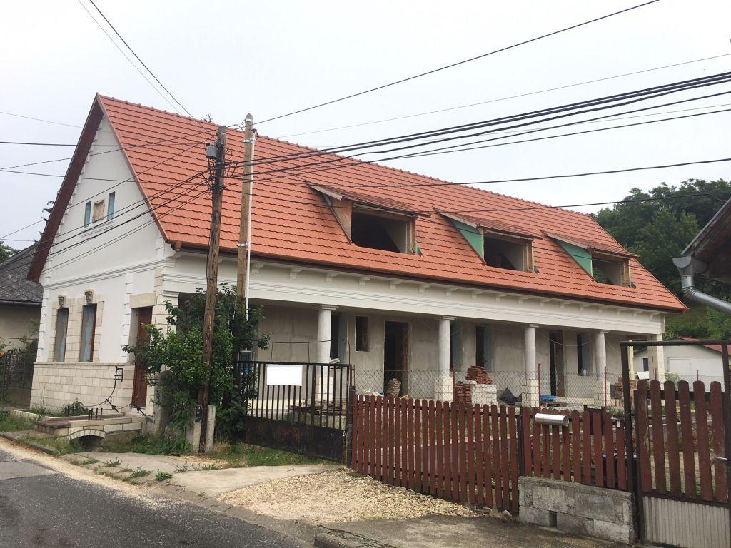 Eladó 180 m2 ház - Biatorbágy