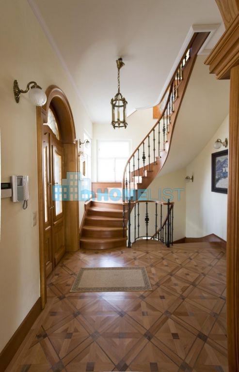 Eladó 650 m2 ház - Budapest II.