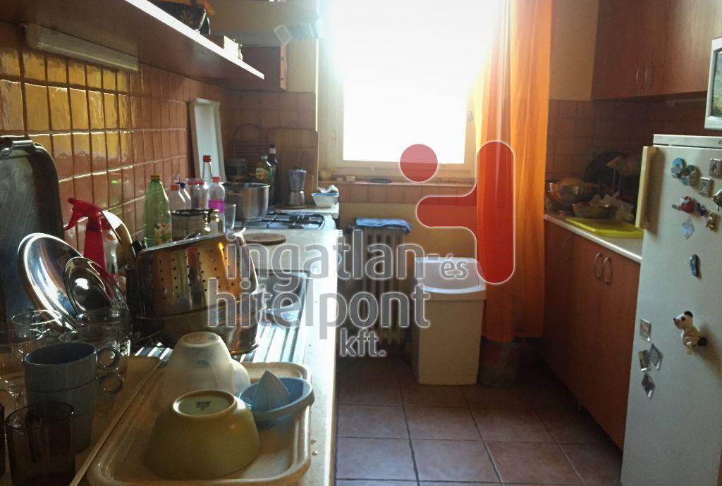 Eladó 59 m2 lakás - Budapest II.