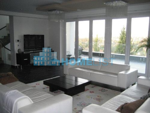 Eladó 759 m2 ház - Budapest II.