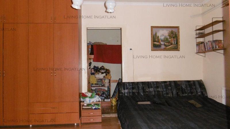 Eladó 140 m2 ház - Budapest III.