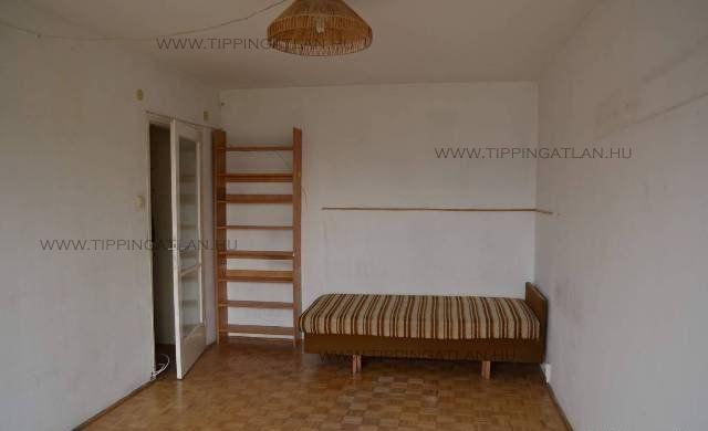 Eladó 51 m2 lakás - Budapest III.