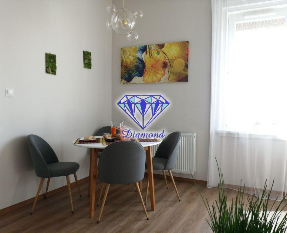 Eladó 70 m2 lakás - Budapest IX.