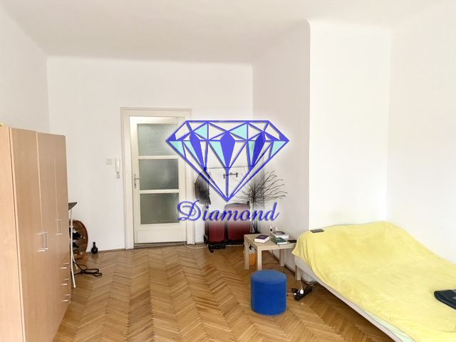 Eladó 35 m2 lakás - Budapest IX.