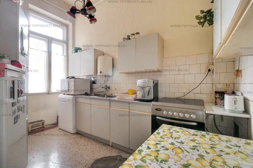 Eladó 183 m2 lakás - Budapest V.