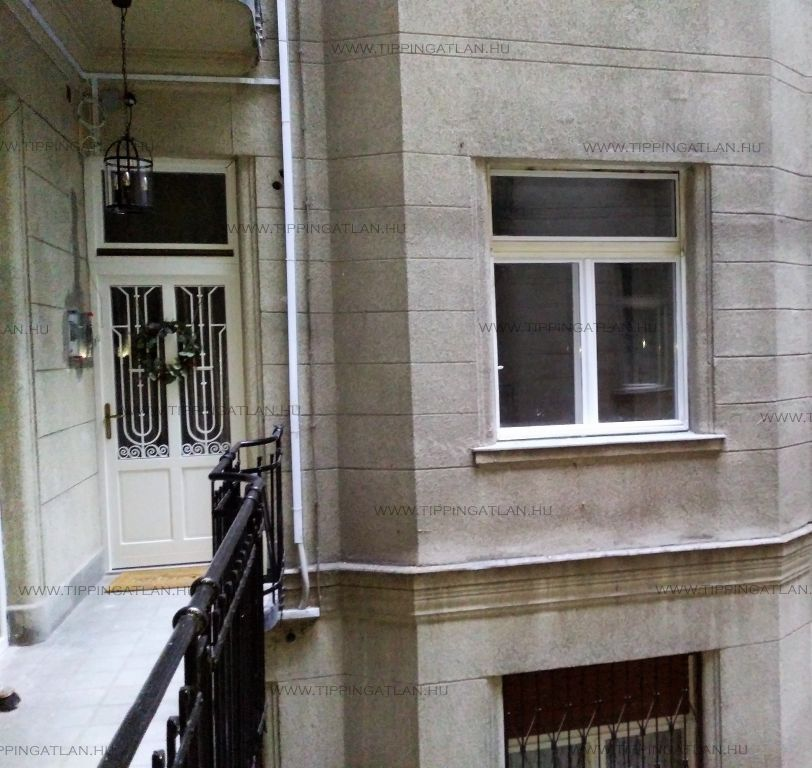Eladó 61 m2 lakás - Budapest V.