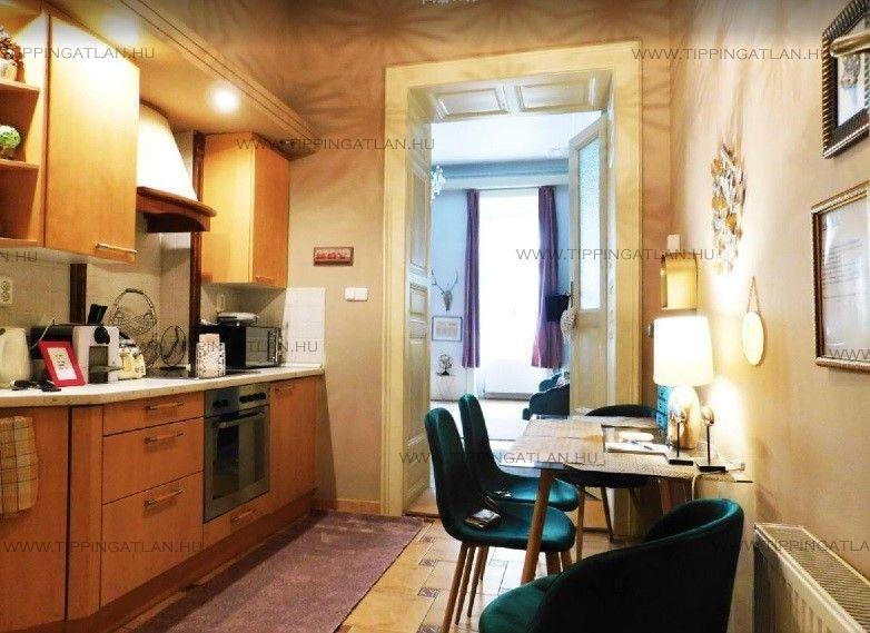 Eladó 59 m2 lakás - Budapest V.