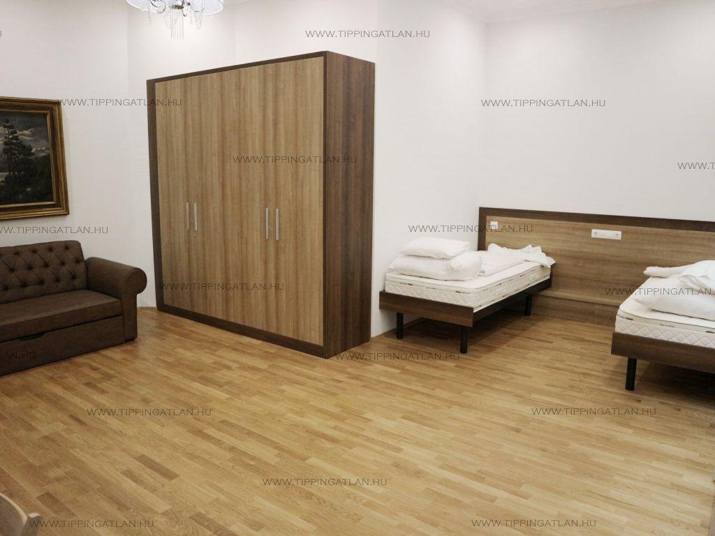 Eladó 85 m2 lakás - Budapest V.