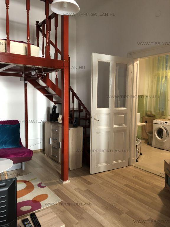 Eladó 33 m2 lakás - Budapest VI.