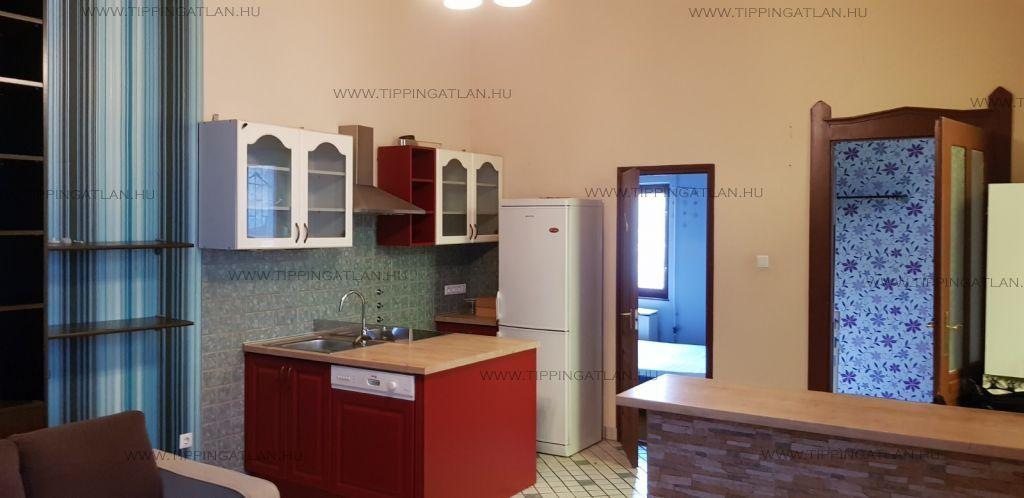 Eladó 45 m2 lakás - Budapest VI.