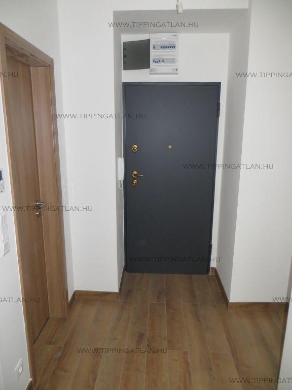 Eladó 28 m2 lakás - Budapest VI.