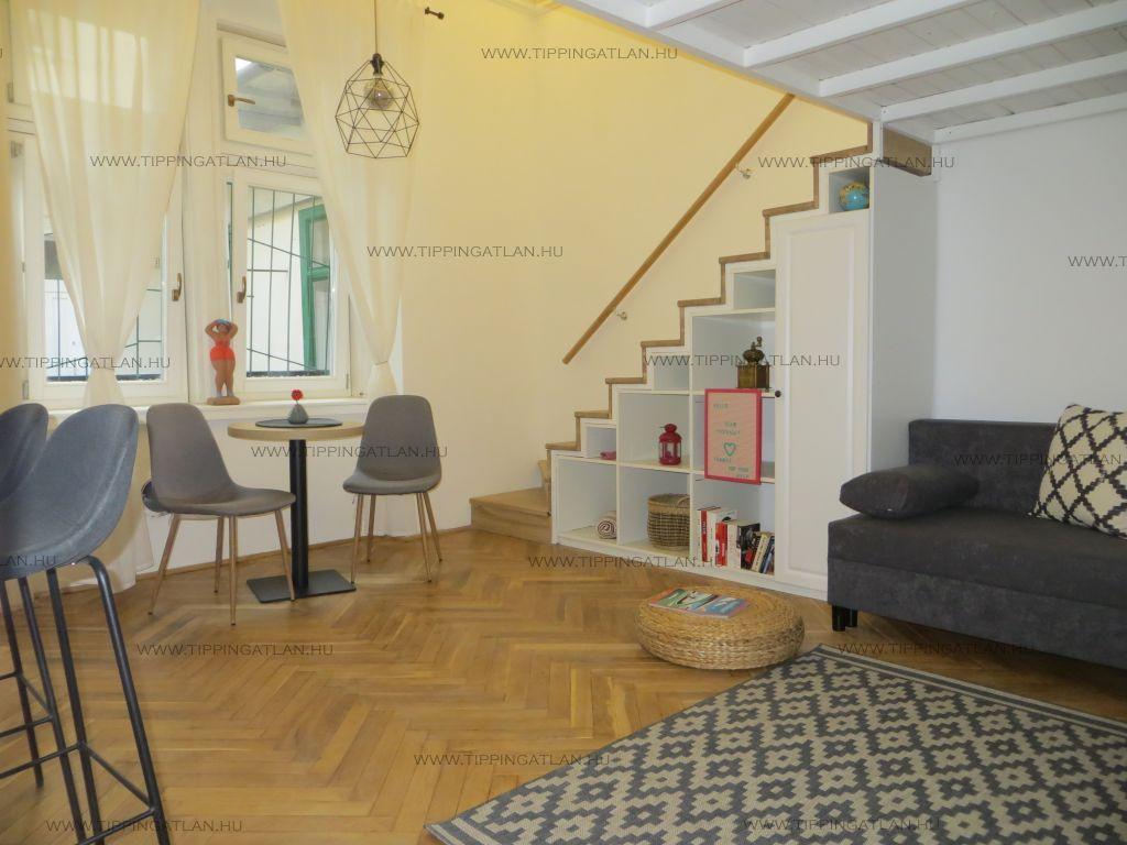 Eladó 34 m2 lakás - Budapest VI.