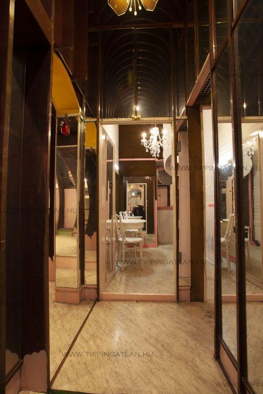 Eladó 61 m2 lakás - Budapest VI.