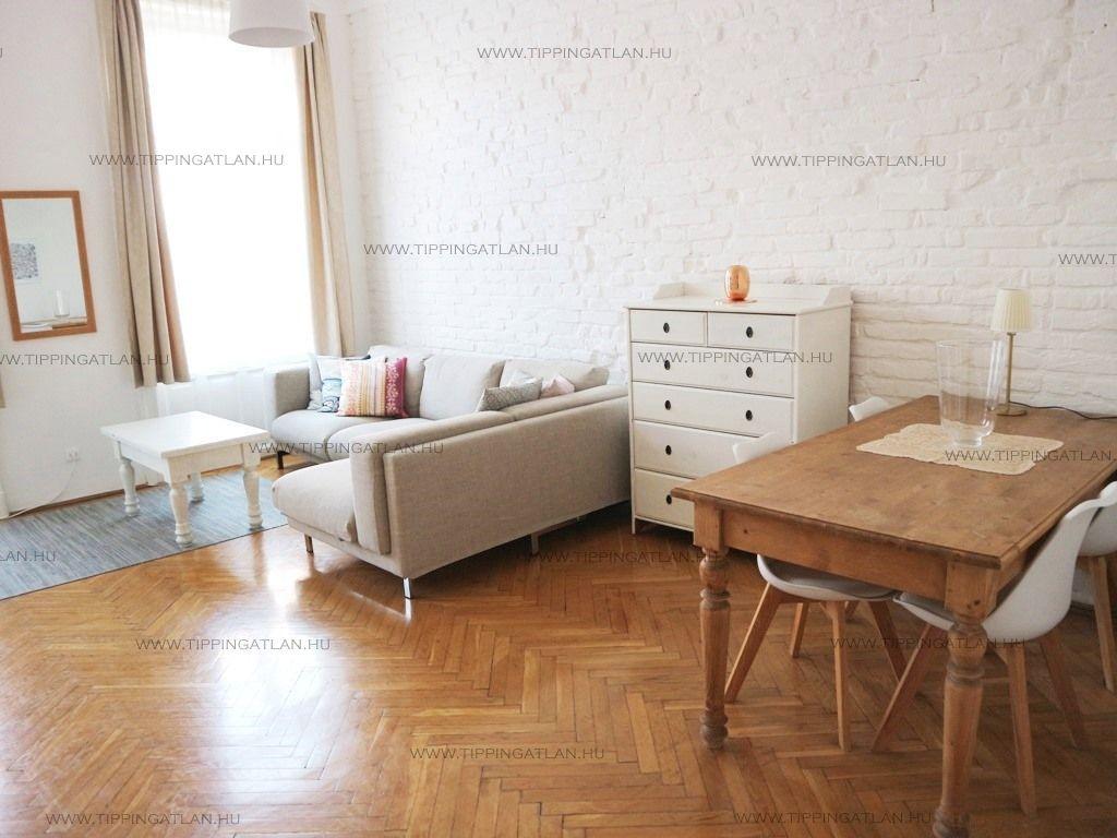 Eladó 73 m2 lakás - Budapest VI.