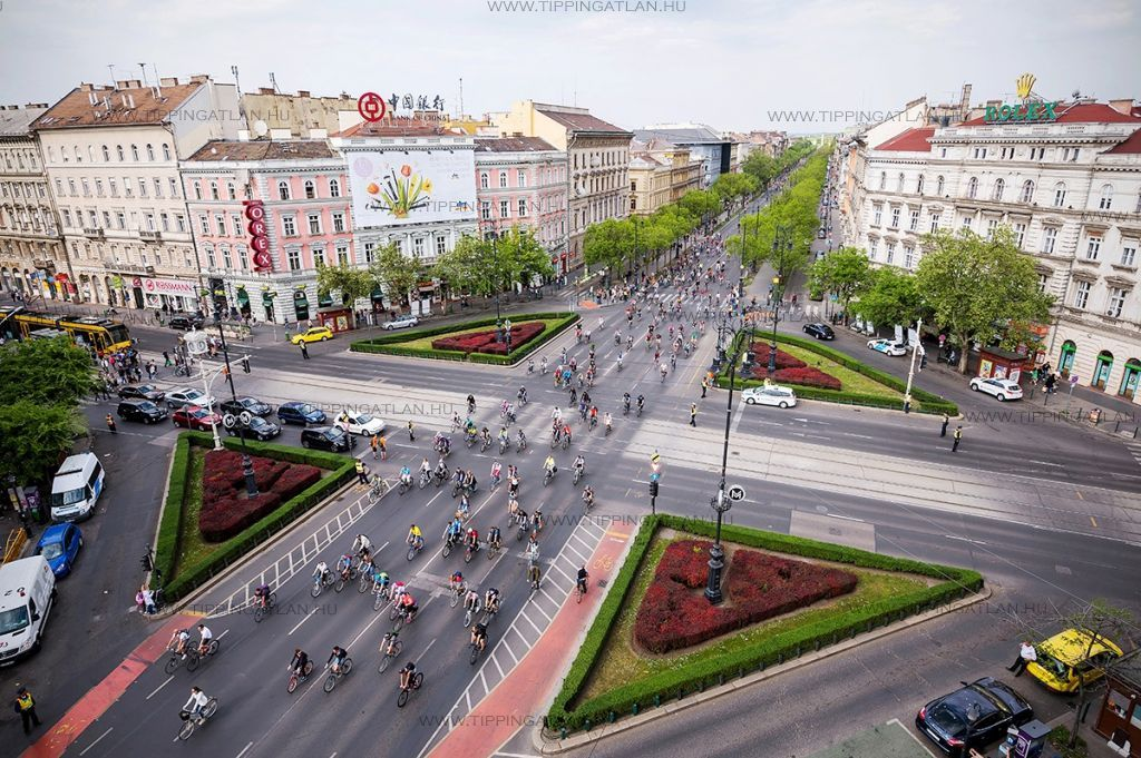 Eladó 132 m2 lakás - Budapest VI.