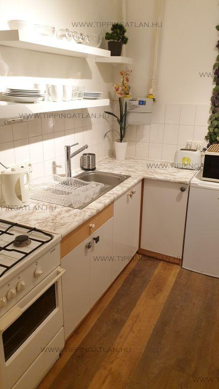 Eladó 29 m2 lakás - Budapest VI.