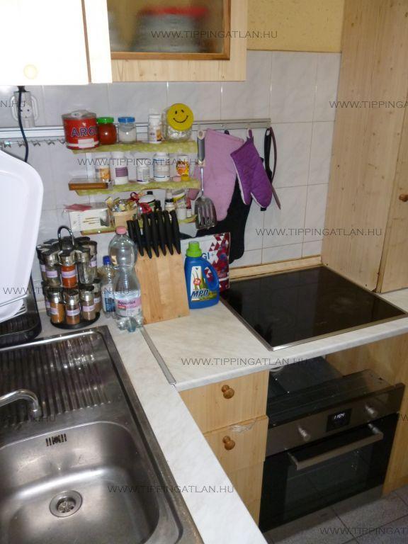 Eladó 40 m2 lakás - Budapest VI.