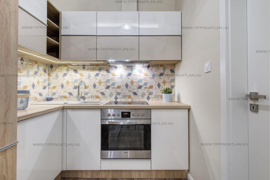 Eladó 25 m2 lakás - Budapest VI.