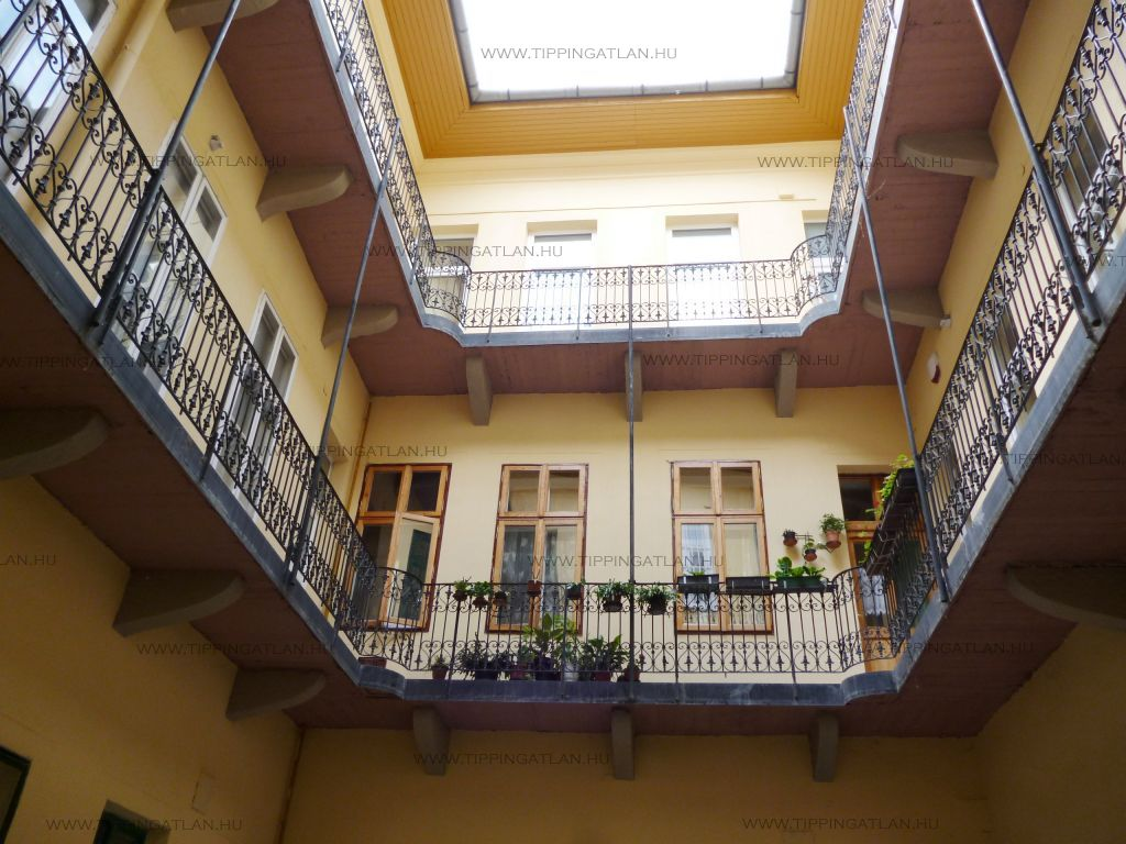 Eladó 58 m2 lakás - Budapest VII.