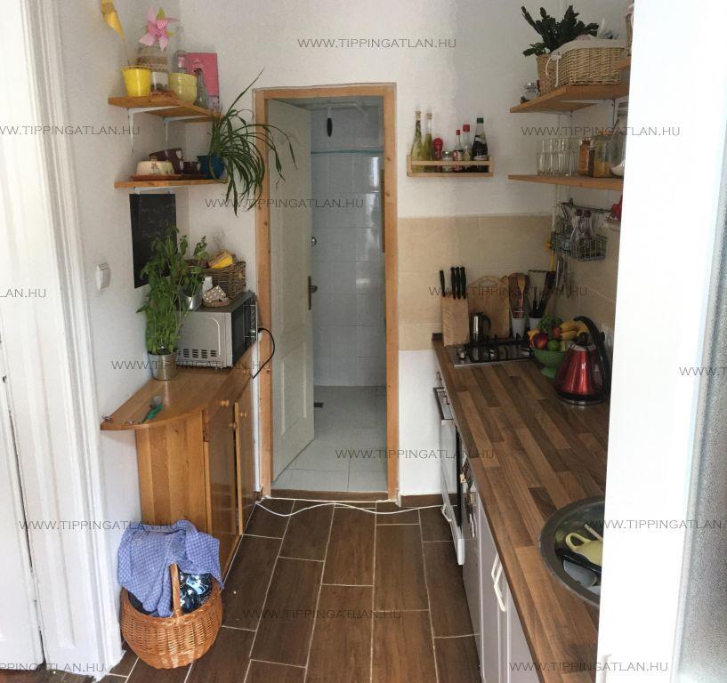 Eladó 28 m2 lakás - Budapest VII.