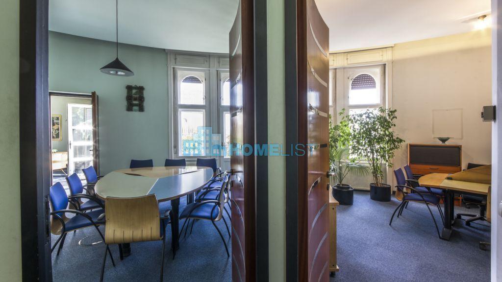 Eladó 181 m2 lakás - Budapest VII.