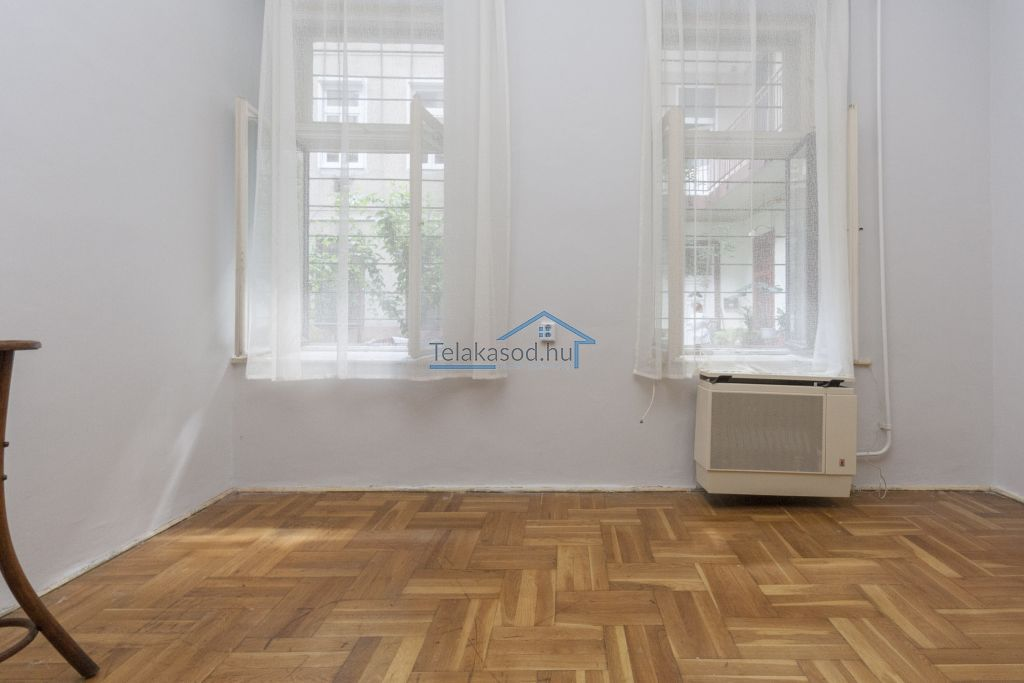 Eladó 32 m2 lakás - Budapest VII.