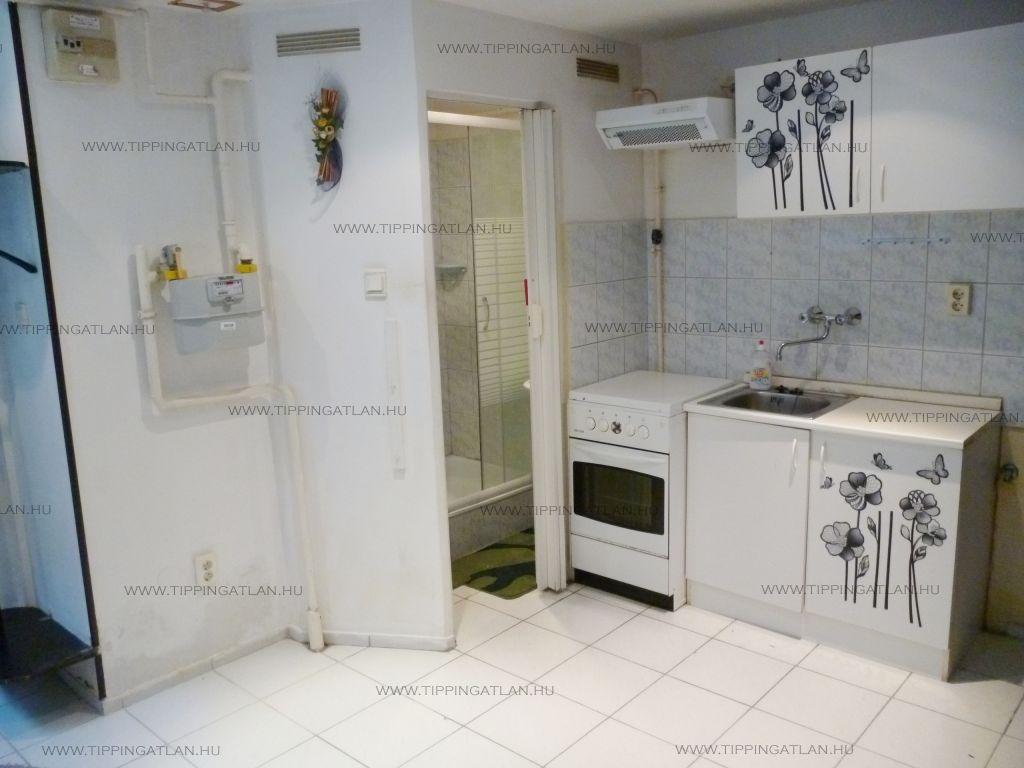 Eladó 30 m2 lakás - Budapest VIII.
