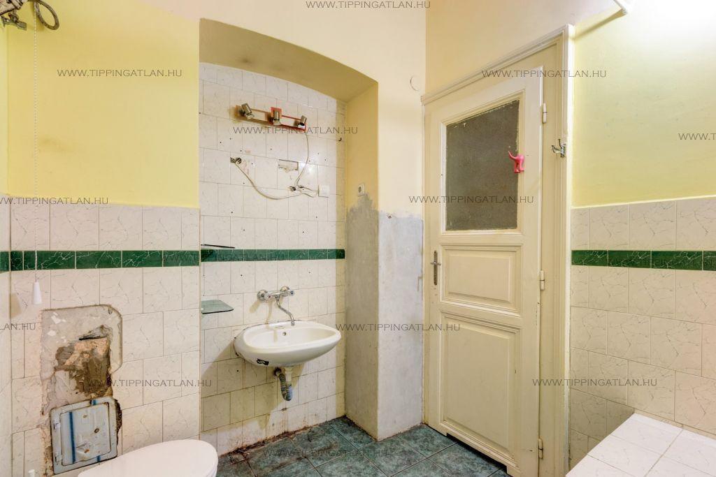 Eladó 42 m2 lakás - Budapest VIII.