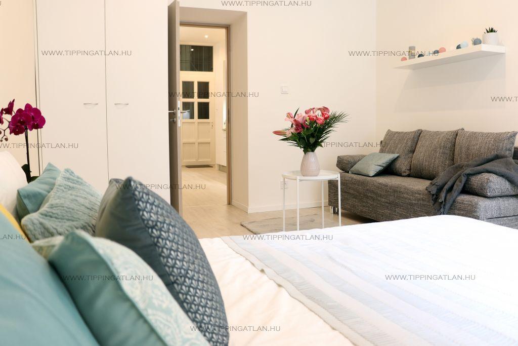 Eladó 80 m2 lakás - Budapest VIII.