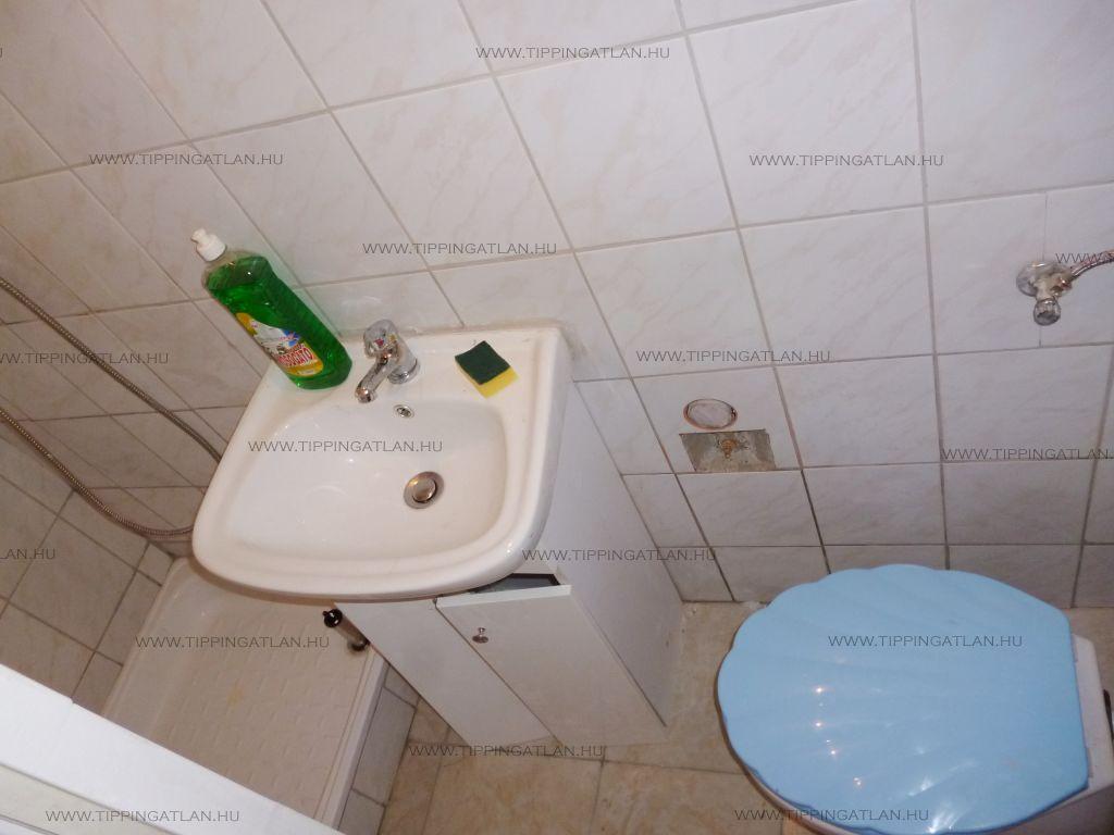Eladó 24 m2 lakás - Budapest VIII.