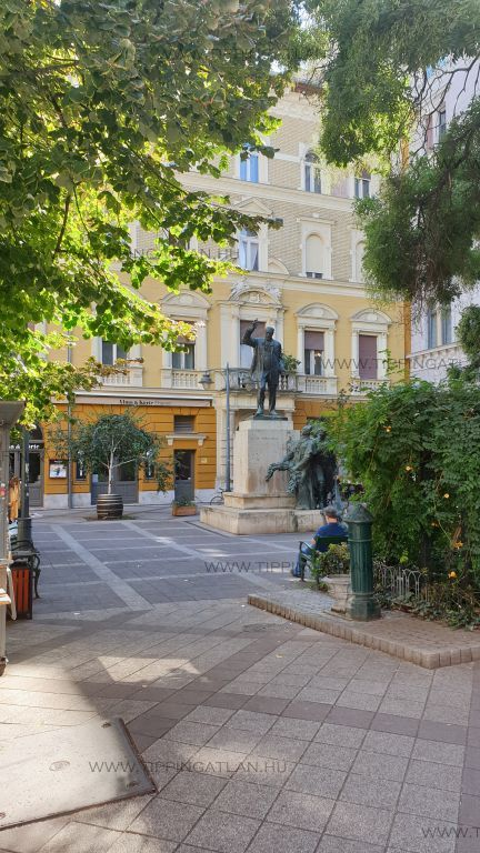 Eladó 33 m2 lakás - Budapest VIII.