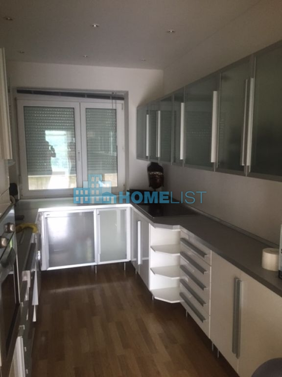 Eladó 650 m2 ház - Budapest XII.