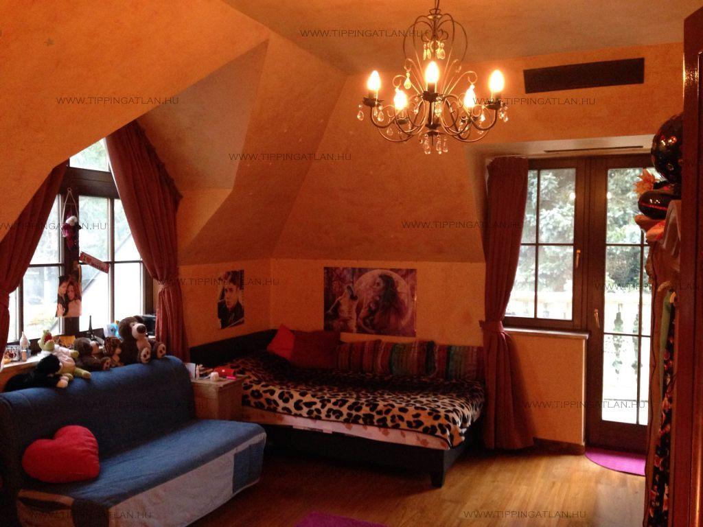Eladó 560 m2 ház - Budapest XII.