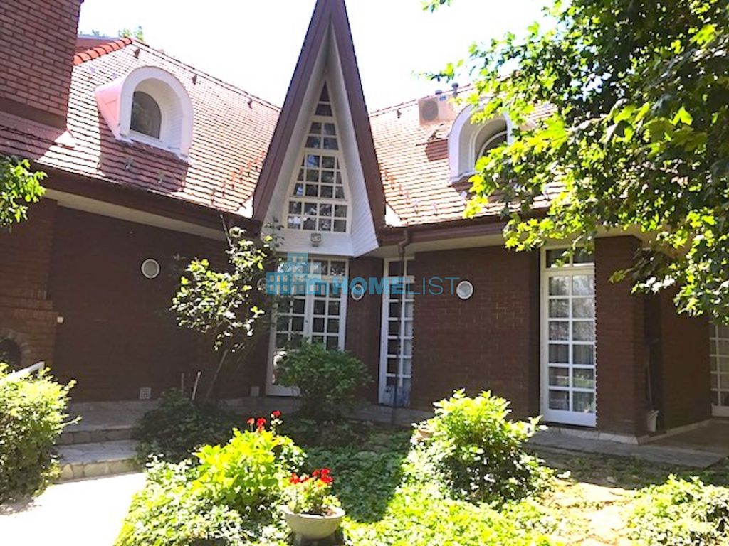 Eladó 340 m2 ház - Budapest XII.