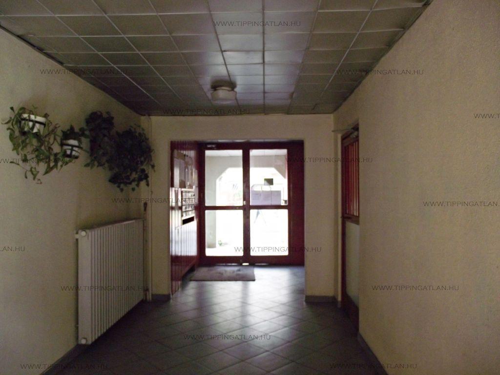 Eladó 27 m2 lakás - Budapest XIII.