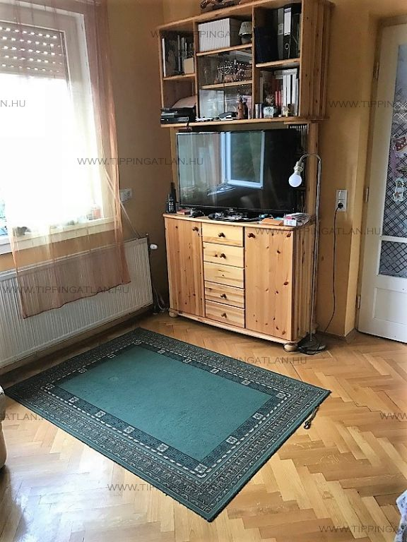 Eladó 65 m2 ház - Budapest XV.