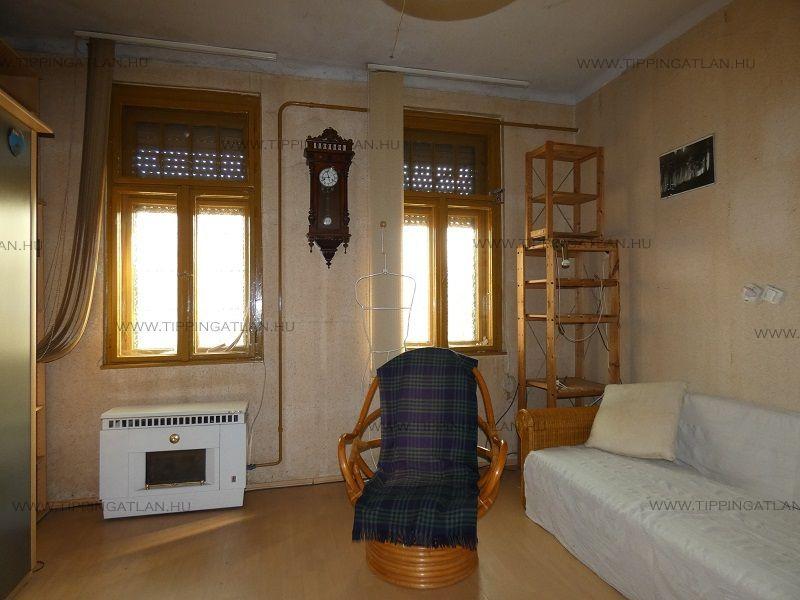 Eladó 44 m2 ház - Budapest XV.