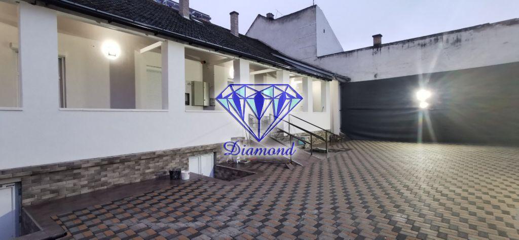 Eladó 200 m2 ház - Budapest XX.