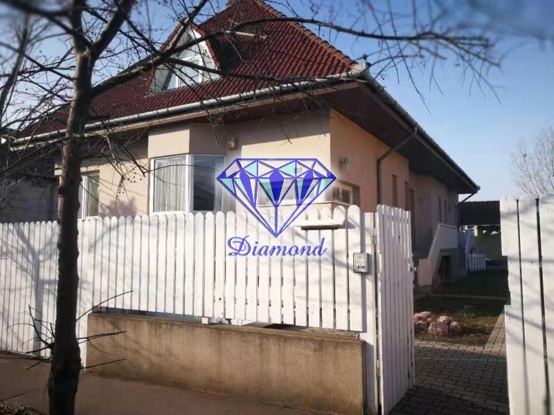 Eladó 300 m2 ház - Budapest XX.