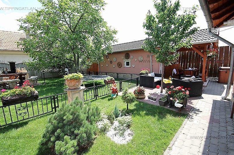 Eladó 120 m2 ház - Dunakeszi