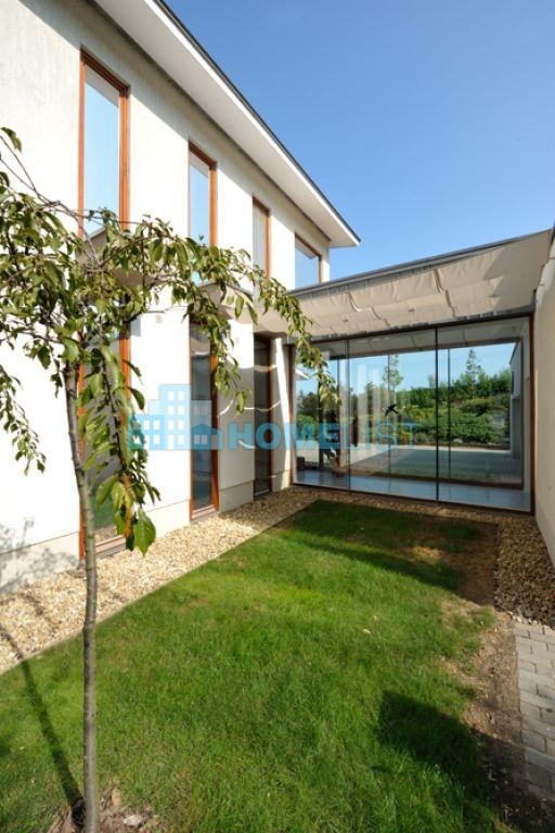 Eladó 450 m2 ház - Páty