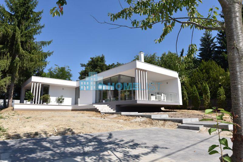 Eladó 160 m2 ház - Remeteszőlős
