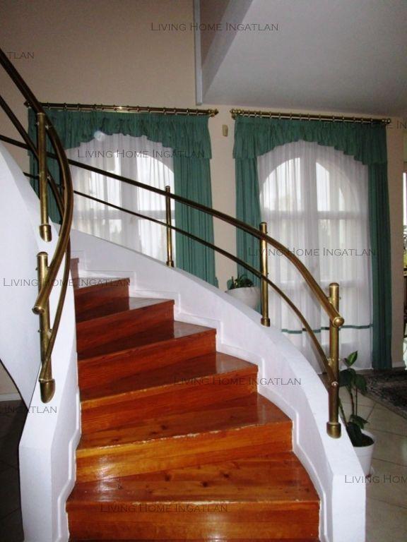 Eladó 600 m2 ház - Szentendre