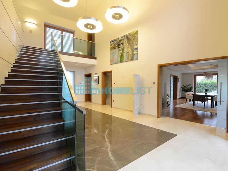 Eladó 1050 m2 ház - Telki