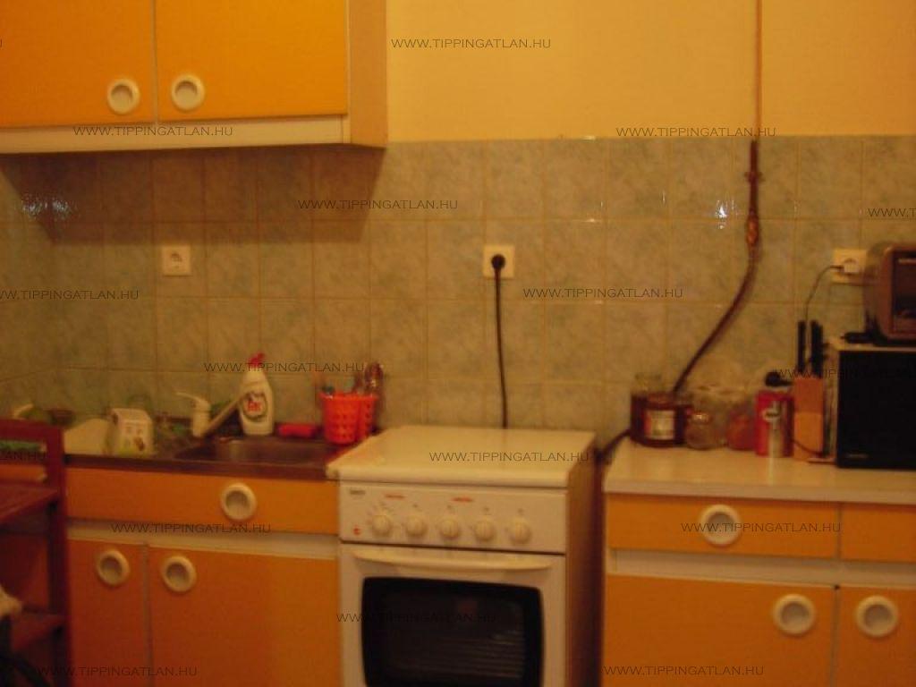 Eladó 75 m2 lakás - Vác