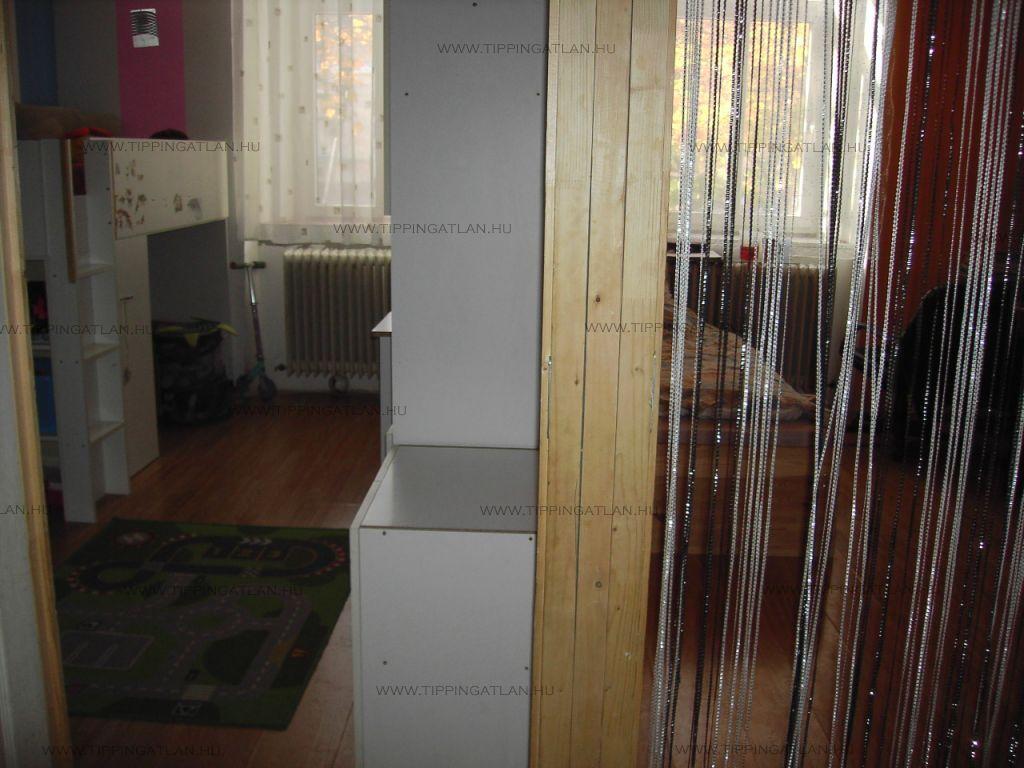 Eladó 77 m2 lakás - Vác
